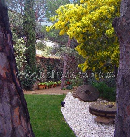 Barcelona paisajista exteriores jardines terrazas Dise�o exterior Catalu�a jardi terraza jardineria Sant Cugat Valles Hospitalet Andreu Esplugues Tiana Alella Cabrils Premia dalt mar Cabrera Llobregat paisajismo Badalona