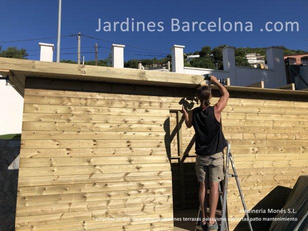 Empresa jardineria Mones jardineros Barcelona jardines patios terrazas paisajismo mantenimientoo plantaciones tarima cercados Maresme Bages Valles Llobregat Penedes Garraf