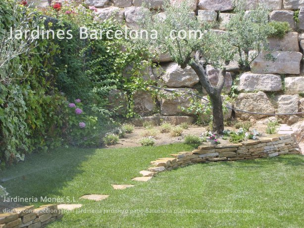 Construccion dise�o jardines jardin patio cubierta terraza Barcelona riego cesped plantas pavimento valla pergola muebles jardineria jardineros Matadepera Sant Cugat Valles Tiana Alella Premia Cabrera  Maresme Badalona
