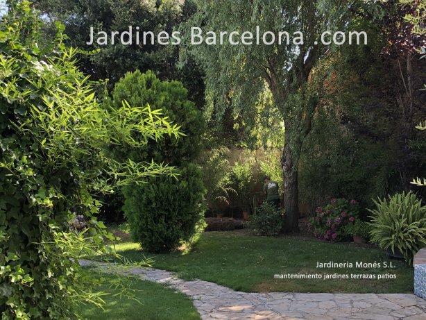 Barcelona paisajista exteriores jardines terrazas Dise�o exterior Catalu�a jardi terraza jardineria Sant Cugat Valles Sant Vicen� Montalt Andreu Llavaneres Tiana Alella Cabrils Premia dalt mar Cabrera Llobregat paisajismo Badalona