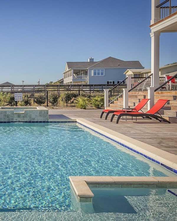 Mantenimiento de piscinas servicio de jardiner a y for Mantenimiento piscina invierno